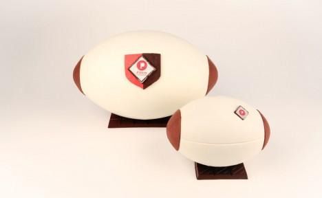 Ballon de rugby noir